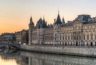 La Conciergerie and Sainte Chapelle Entry
