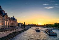 Bateaux Mouches: Early Evening Seine River Dinner Cruise With Wine