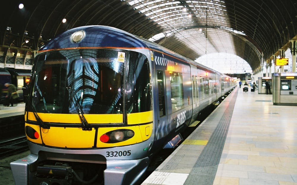 Heathrow Express Tickets - A train at Paddington Station