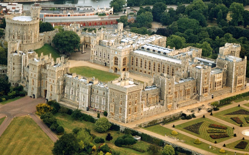 Windsor Castle Tour - A view of Windsor Castle from the air
