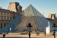 Louvre Masterpieces and Royal Palace Group Tour