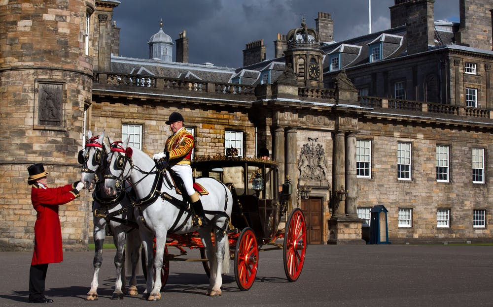 Palace of Holyroodhouse tickets - Outside the Palace