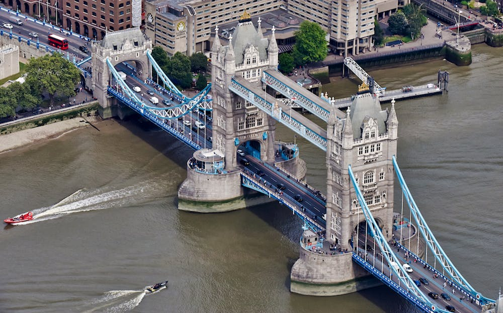 London Helicopter Tour - Tower Bridge from above