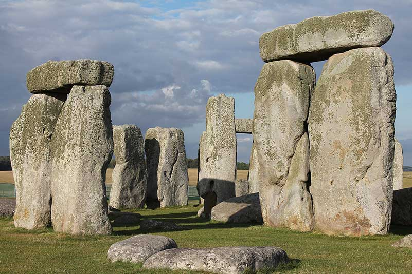 Stonehenge and Bath Tour - The standing stones of Stonehenge