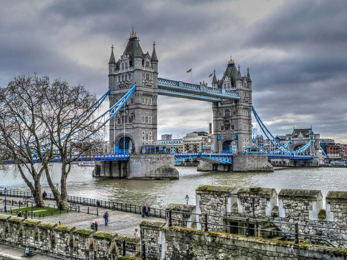 Tower Bridge Tickets - A view of Tower Bridge from the Tower of London
