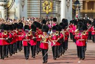 Royal London Tour –  Buckingham Palace, Changing of the Guard & St. Pauls Cathedral