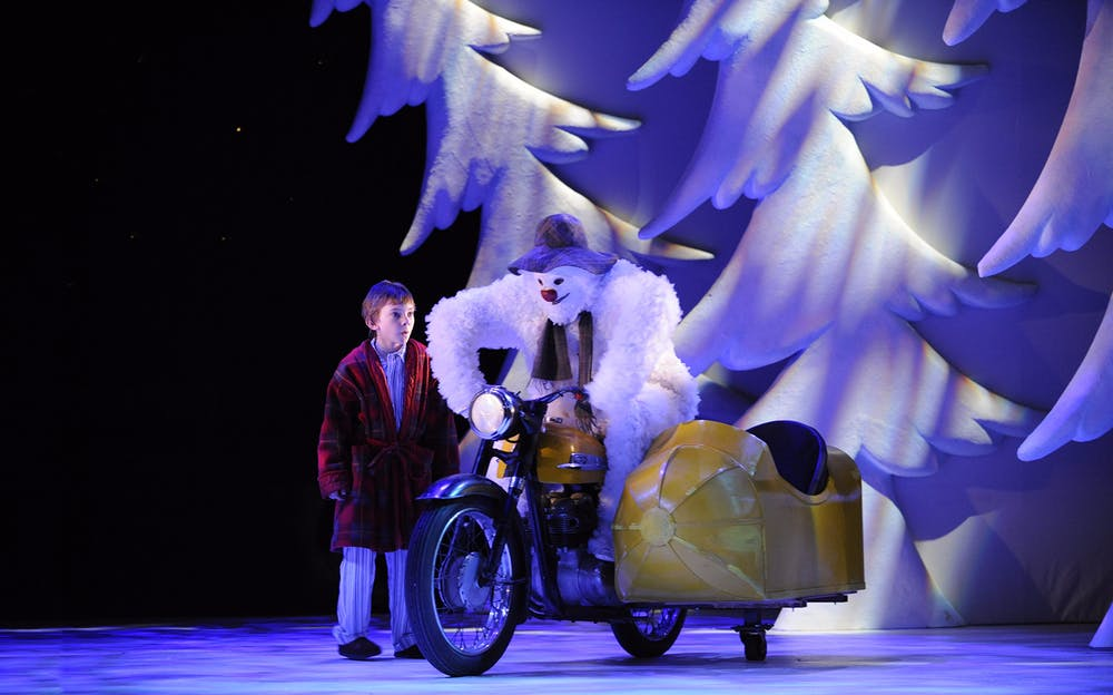 The Snowman London - The boy and the Snowman take a ride!