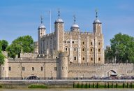 Tower of London Tickets with London Sightseeing Tour